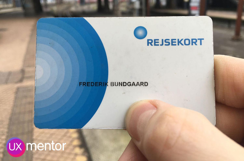 Sådan ser et Rejsekort ud, når det er tjekket ind. Der er ingen synlig, ydre forskel. Alle ændringer er digitale, men man har som bruger ingen mulighed for selv at se disse, mens man rejser.